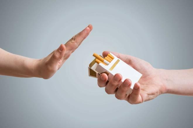 không hút thuốc lá khi uống tràng phục linh plus