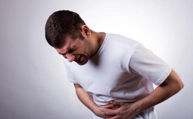Đau bụng dữ dội trong viêm đại tràng cấp tính